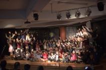 Τραγουδάμε όλοι μαζί!